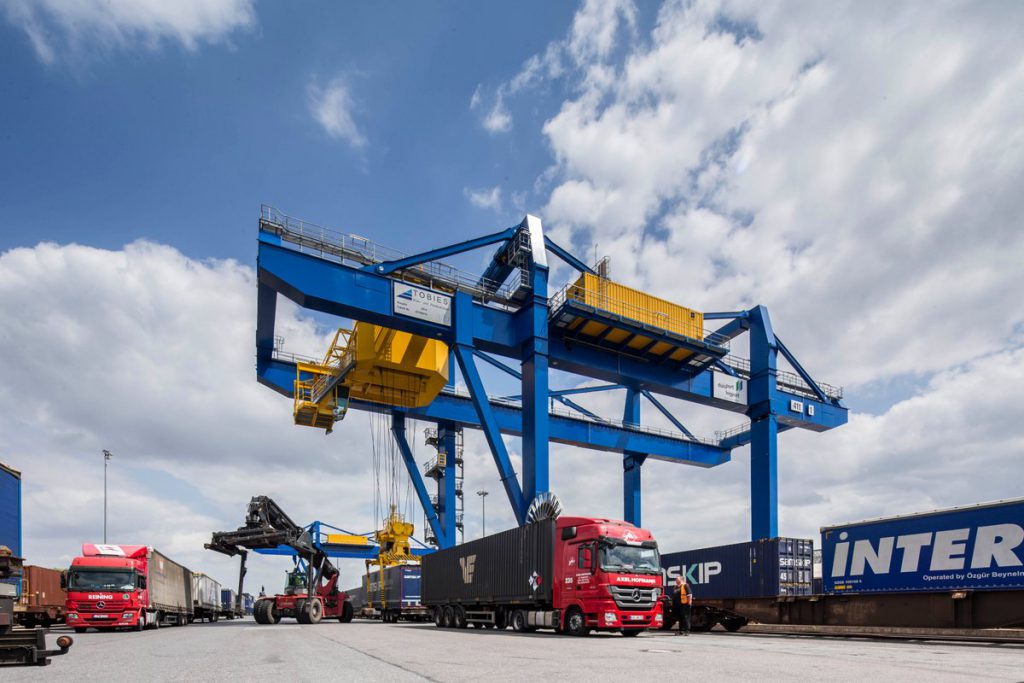học ngành xuất nhập khẩu và logistics