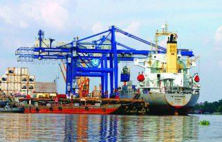 hàng hóa trung chuyển tại cảng biển