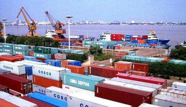 phụ phí xuất nhập khẩu