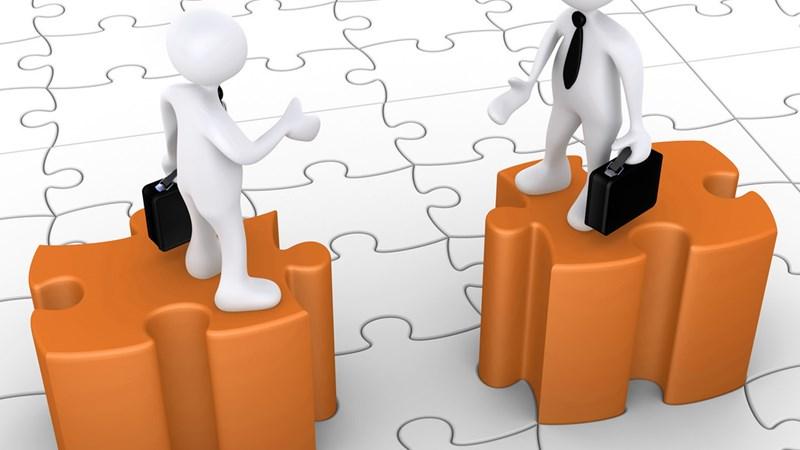 Các giao dịch đặc biệt: Mua bán tại sở giao dịch và nhượng quyền